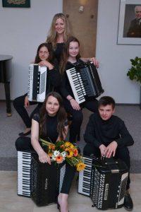 Akordeonový kvartet s učitelkou